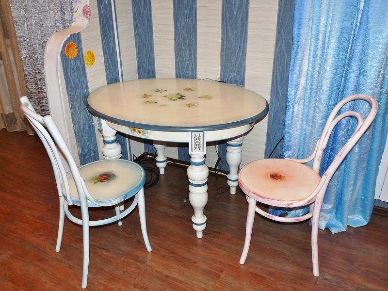 Реставрация круглого деревянного стола